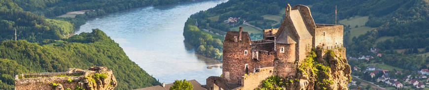Crucero Fluvial por el Danubio - Puente de Diciembre