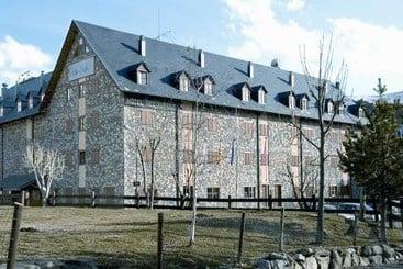 Hotel romanic en bo ta ll desde 35 destinia - Apartamentos boi taull resort ...