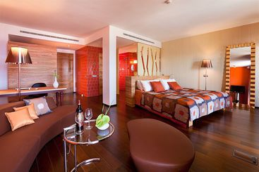 Bohemia Suites & Spa - Adults Only -