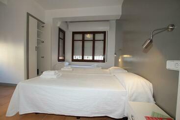 Hostal Ripoll Ibiza -                             Ibiza Ciudad