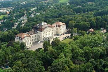 Austria Trend  Schloss Wilhelminenberg Wien - Viena
