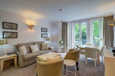 Collingham Serviced Apartments - London