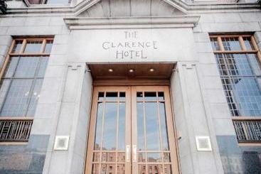 The Clarence - ????