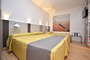 Room Hotel MH Olympus Benidorm