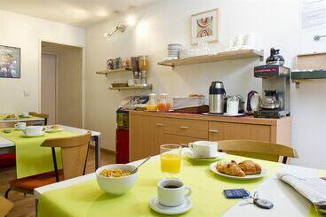 Hotel des bains en maisons alfort desde 35 destinia for Hotel adagio londres