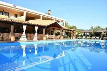Ih S Le Zagare Resort - Cagliari