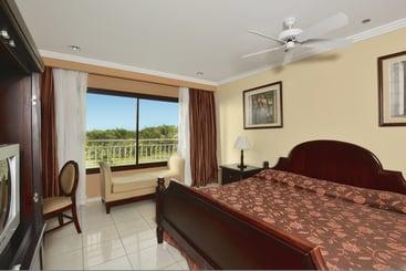 Hotel Varazul - Punta Hicacos
