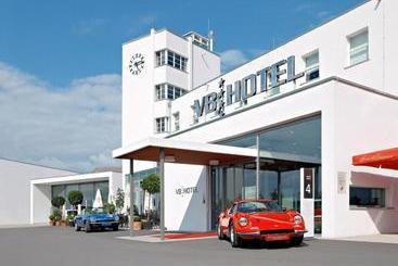 V8 Hotel Classic Motorworld Region Stuttgart - Boeblingen
