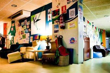 Be Dream Hostel -                             Badalona