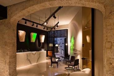Caro Hotel - 瓦伦西瓦