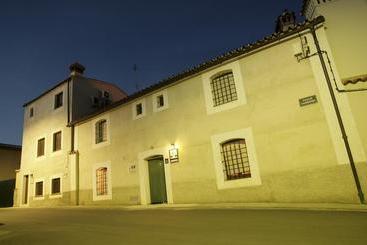 Casa rural del corral en malpartida de plasencia destinia - Casa rural plasencia ...