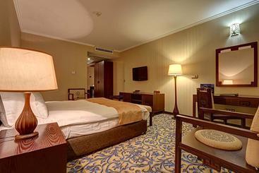 Espinas Persian Gulf Hotel - Tehran