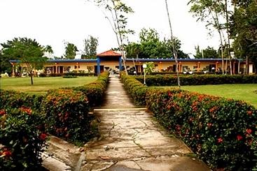 Villa El Bosque - Holguín