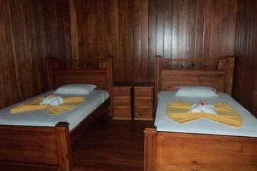 Miss Junies Lodge - Tortuguero