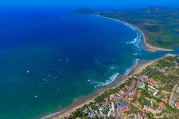 Pura Vida Mini Hostel  Tamarindo Costa Rica - Tamarindo