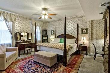 Rose Manor Bed & Breakfast - nu ˈɔːrlənz