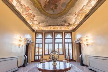 Nani Mocenigo Palace - Venecia