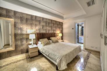 Banus Beach Apartments - Puerto Banus