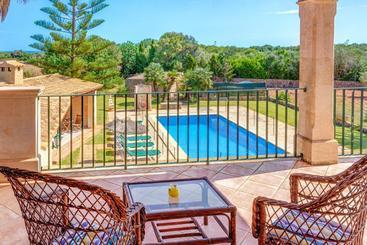 Villa Deu Quarterades - Santanyi