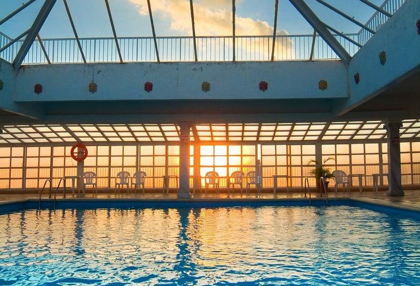 Piscina Hotel Magic Cristal Park Benidorm