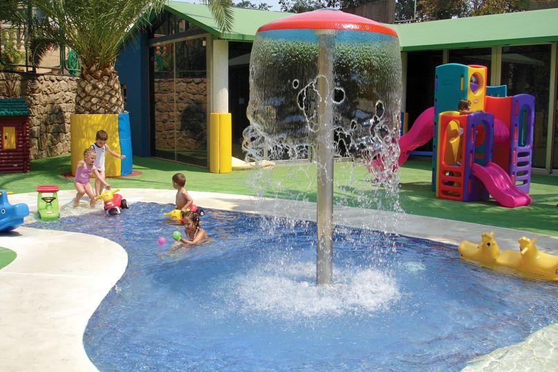 Hotel servigroup pueblo benidorm en benidorm destinia for Piscina climatizada benidorm
