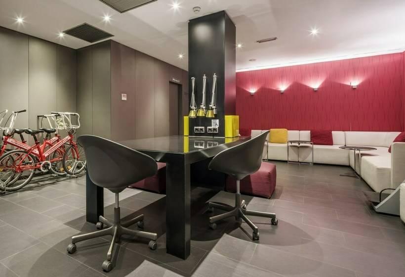 Gemeinschaftsbereiche Hotel Ilunion Almirante Barcelona