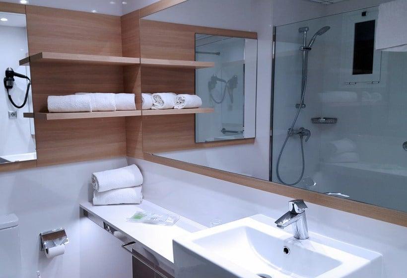 Cuarto de baño Hotel Augustus Cambrils
