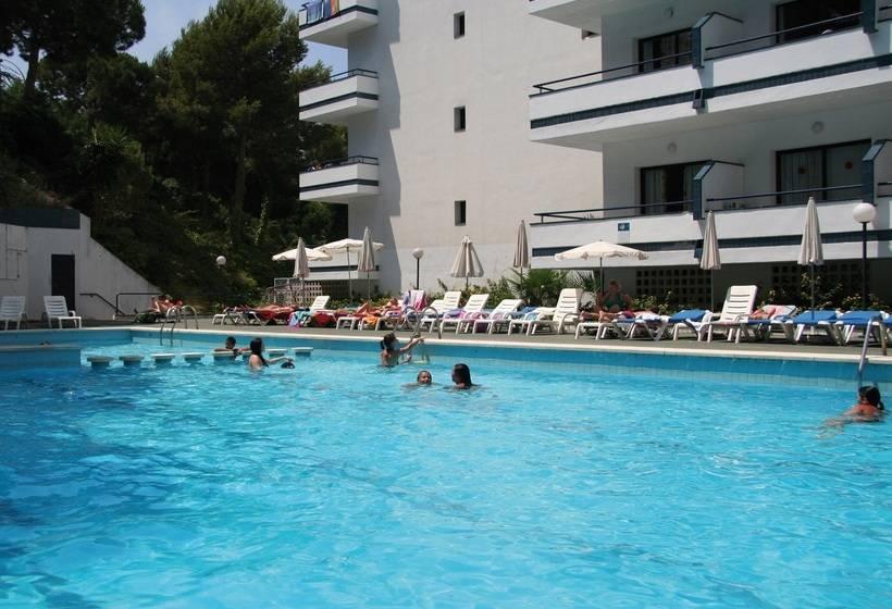 Hotel gran garbi en lloret de mar desde 18 destinia for Piscina 29 de abril telefono