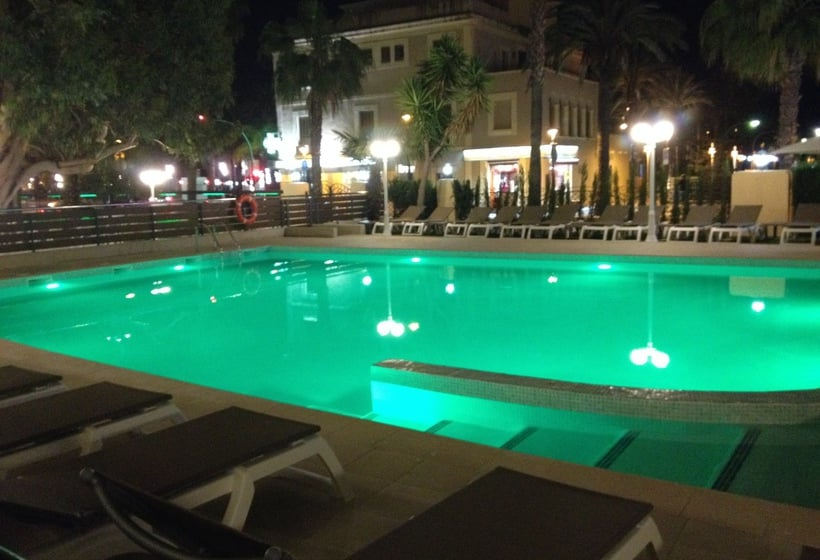 Piscina Hotel Planas Salou