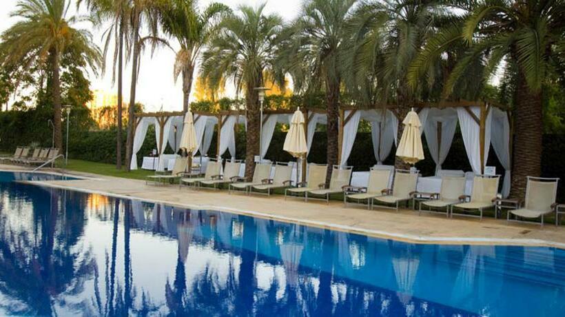 Hotel silken al andalus palace en sevilla destinia for Piscinas abiertas en sevilla