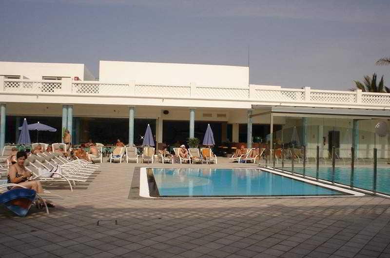 Hotel las costas en puerto del carmen destinia - Hoteles en puerto del carmen ...
