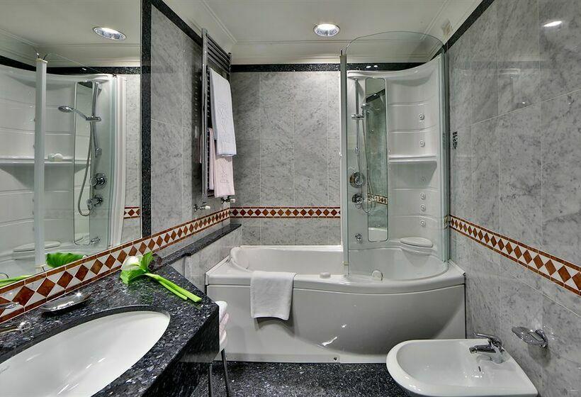Cuarto de baño Best Western Grand Hotel Adriatico Florencia
