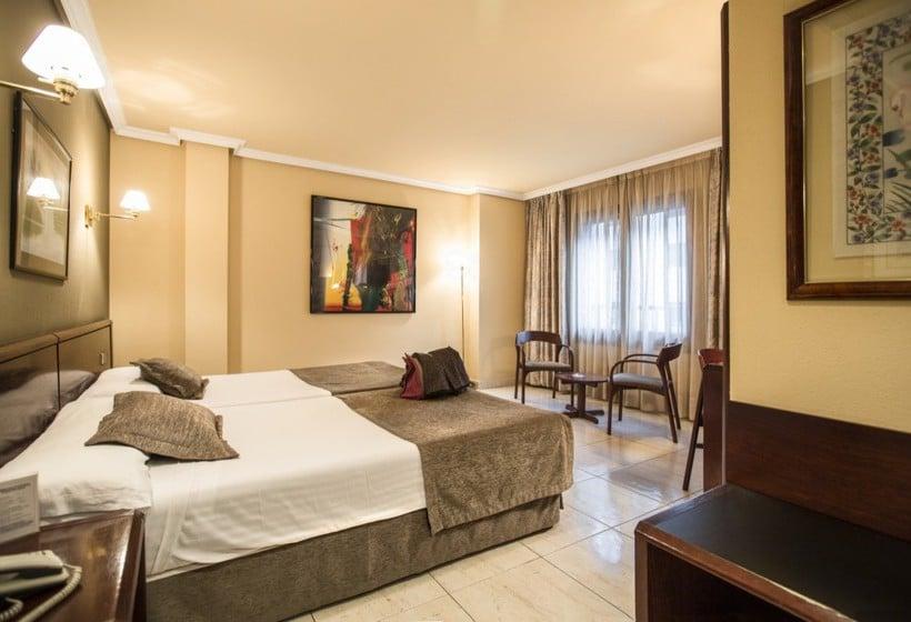 Habitación Hotel Imperial Atiram Sant Julia de Loria