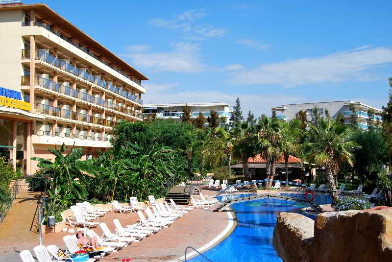4r regina gran hotel en salou desde 26 destinia for Hoteles en salou con piscina