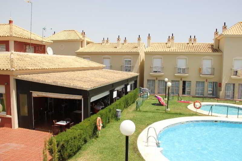 Interpass aparthotel golf playa country club en islantilla destinia - Apartamento en islantilla playa ...