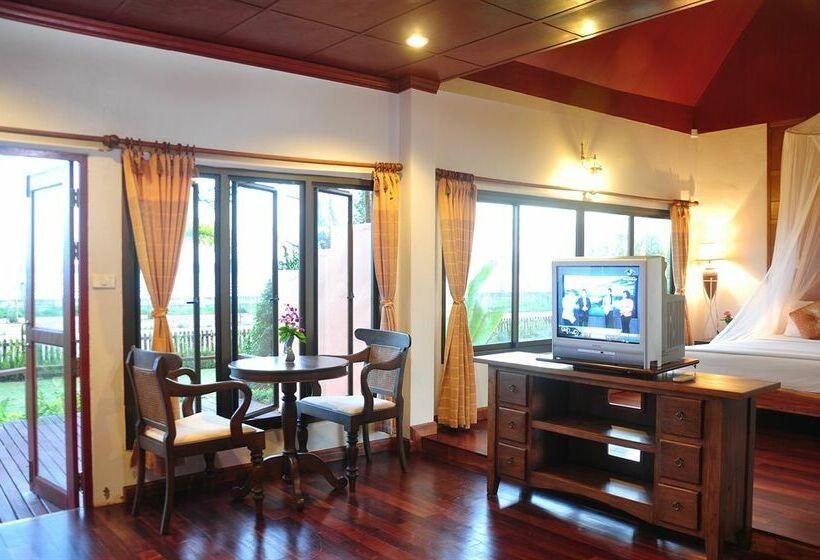Twin Bay Resort Hotel - room photo 3069072
