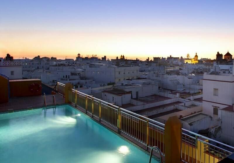 Piscina Senator Cádiz Spa Hotel
