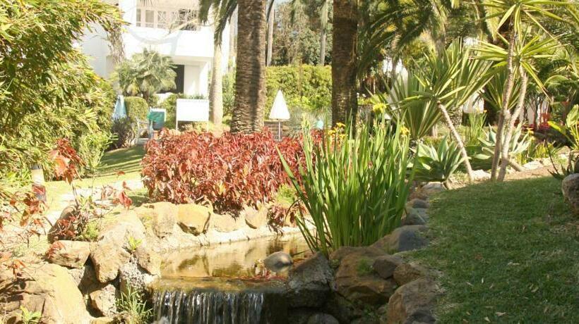 Apartamentos jardines las golondrinas en marbella destinia for Jardines galileo