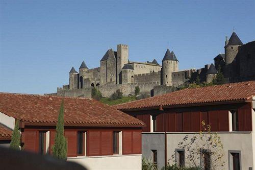 Adonis Carcassonne La Barbacane Carcasona