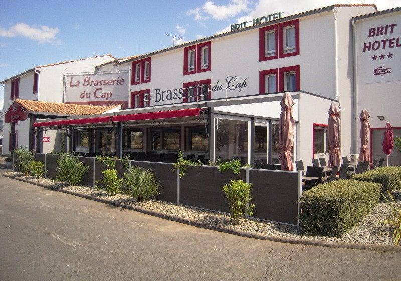 Brit Hotel Brasserie Du Cap En P U00e9rigny