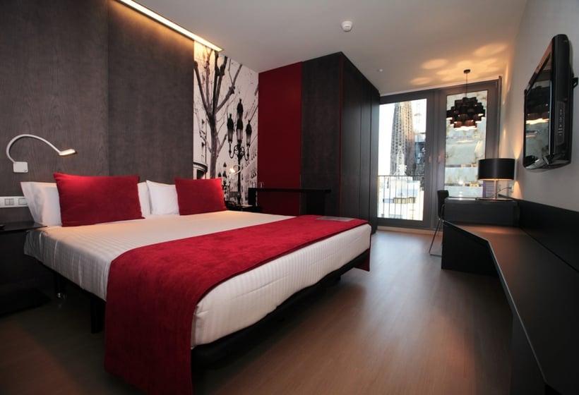 Hotel ayre rosell n en barcelona desde 40 destinia for Hoteles con habitaciones cuadruples en barcelona