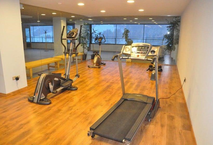 Instalaciones deportivas Apartamentos Els Llacs Bordes d'Envalira