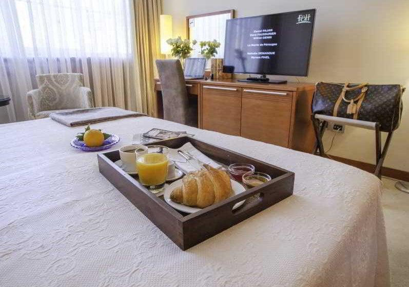Le petit piaf hotel en belgrado desde 32 destinia for Hotel belgrado