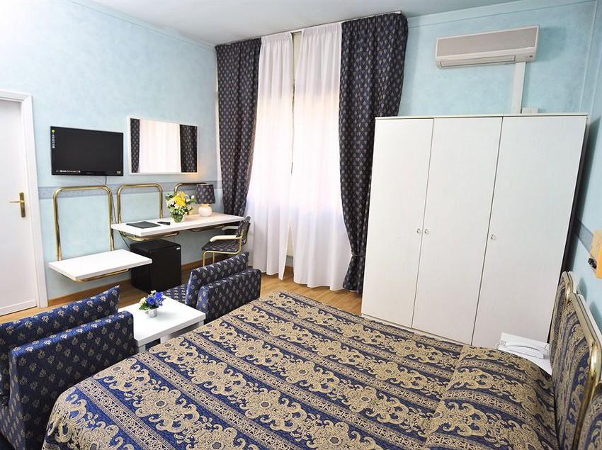 Hotel Massimo D U0026 39 Azeglio En Montecatini Terme