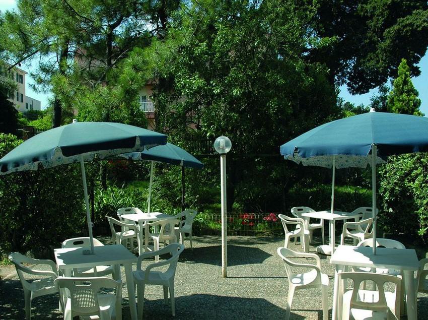 Hotel Villa Bonera Via Sarfatti  Nervi  Genova