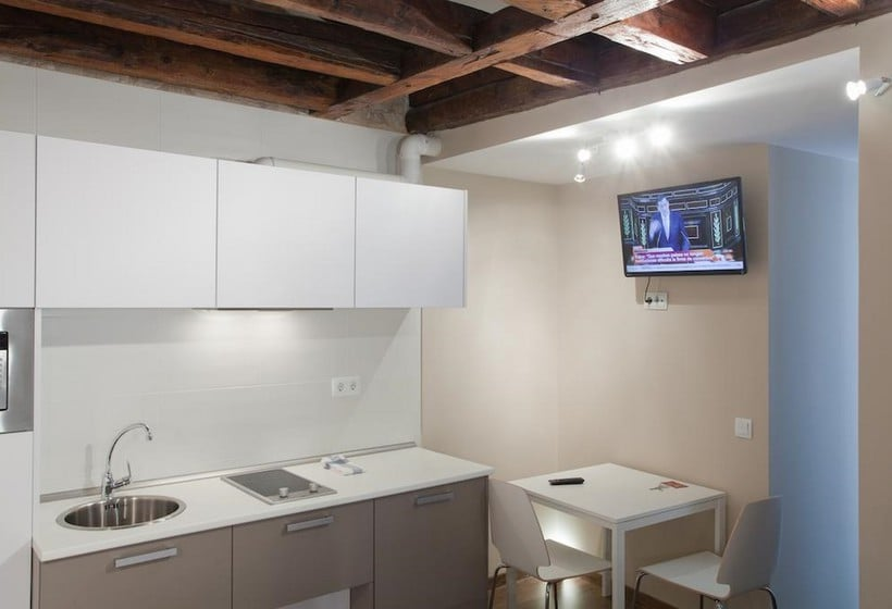 Cocina Sol Square Apartments Madrid